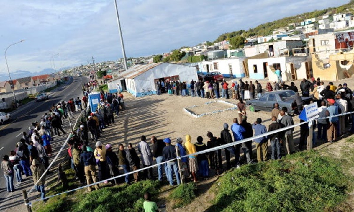 Residents in a Cape Town suburb queue to vote during previous municipal elections in South Africa. Foto24/Gallo Images/Getty Images